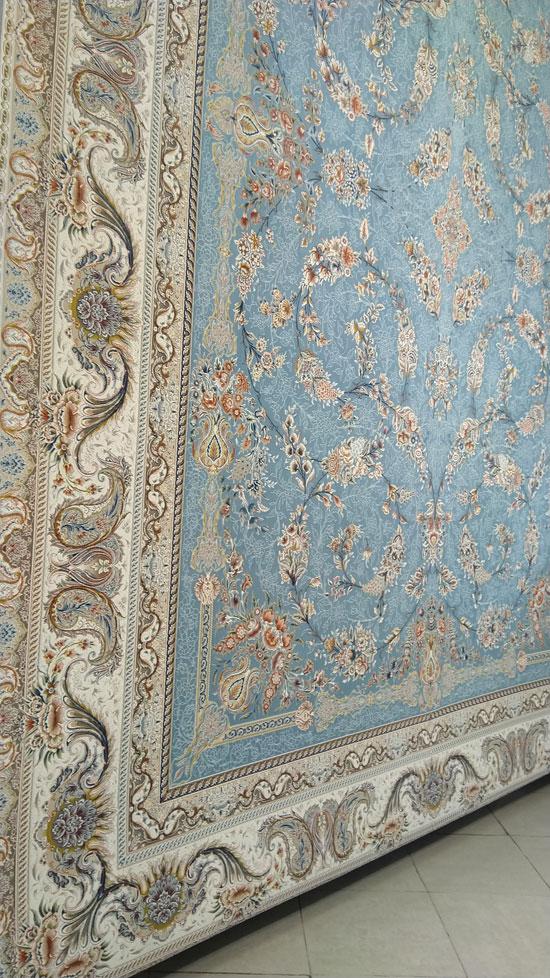 فرش ماشینی ساتراپی طرح گلساران زمینه آبی