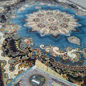 فرش ماشینی الماس کویر طرح برکه زمینه آبی