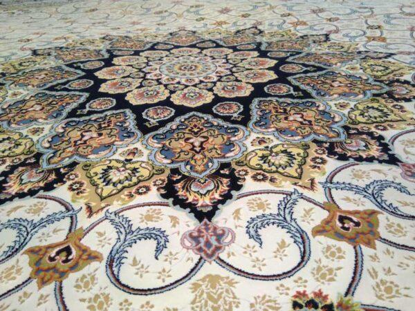 فرش شاهکار صفویه طرح شبستان زمینه کرم